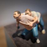 Man bär man på ryggen, skulptur